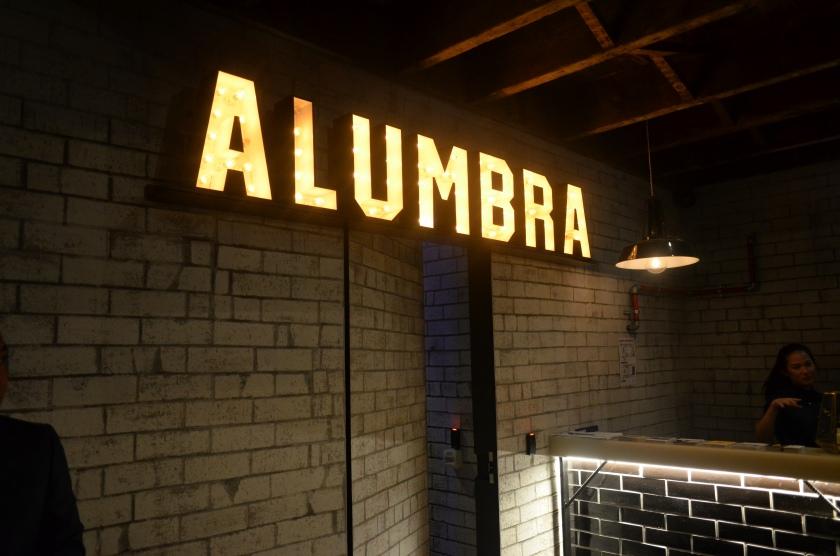 Alumbra Bar & Club